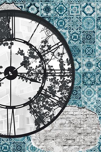 Фреска часы