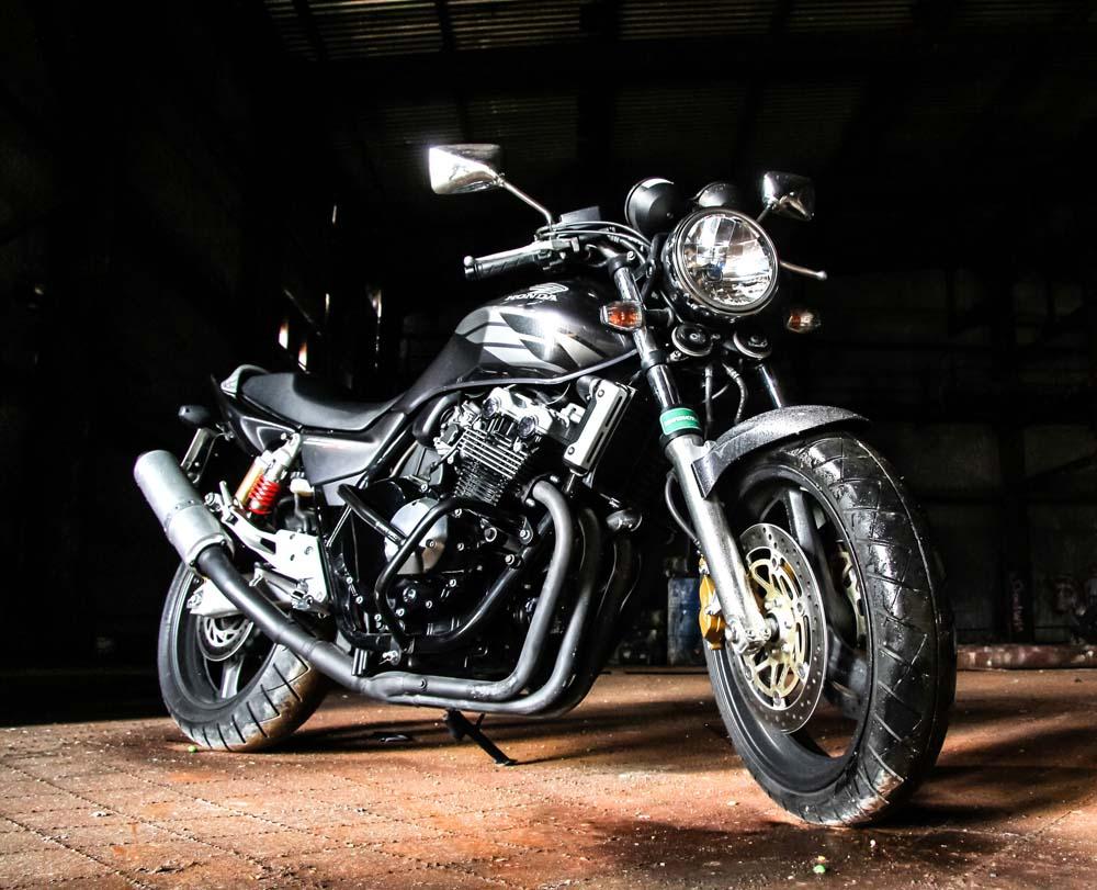 Черный мотоцикл