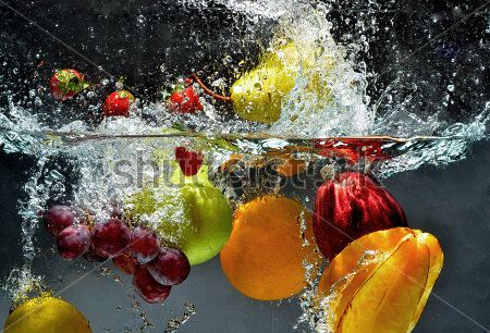 Брызги и фрукты