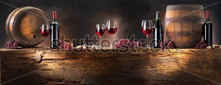 Бокал вина и виноград