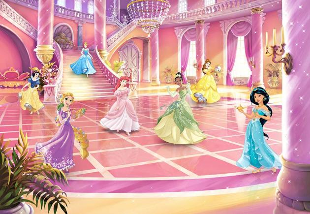 Принцессы во дворце