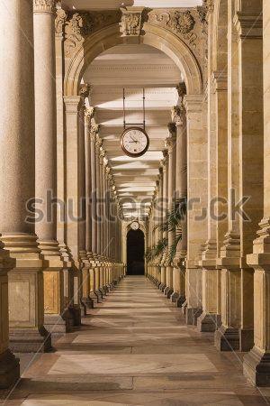 Корридор с арками